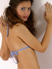 Dutch Teen Amateurs .com - 1000s of pics of Jess, Chantelle, Sandra, Roxanne, Vi
